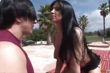 The Spanish Rebeca Linares fucking in the pool