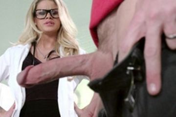 A sexy blonde with glasses fucks her patient