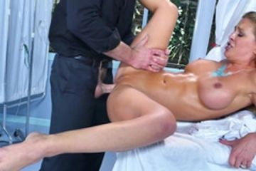 Seduced and fucked well in the hospital by the gynecologist