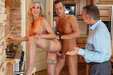 Mother's Little Helper Brandi Love and Justin Hunt