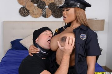 The Big Bust with Moriah Mills and Sean Lawless