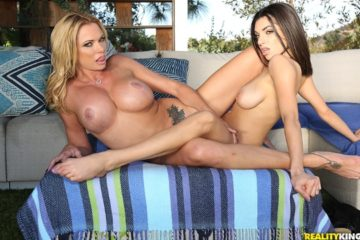 How To Use A Dildo with Darcie Dolce and Briana Banks