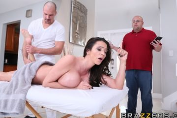 Rubbing Her The Right Way with Ariella Ferrera and Sean Lawless