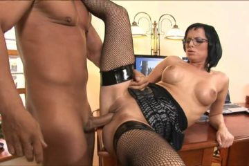 Smokin' brunette in glasses and fishnets fucks and sucks her boss in the office