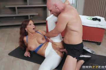 Resistance Band Boning with Syren De Mer and Johnny Sins