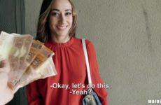 Lucia Nieto in Public Pickups