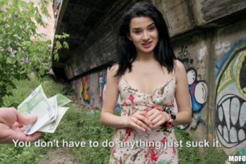 Mia Navarro in Public Pickups