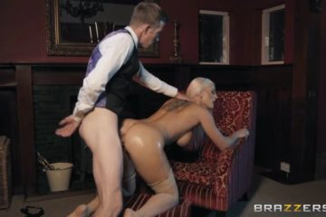 Blanche Bradburry enjoying anal sex