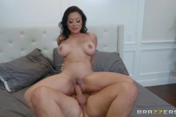 Kaylani Lei is ready for giving pleasure