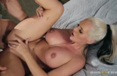 Alena Croft fucking in on th bed