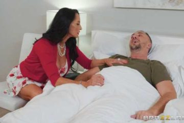 Rita Daniels enjoys curved penis