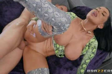 Breast sex with natural busty fucking
